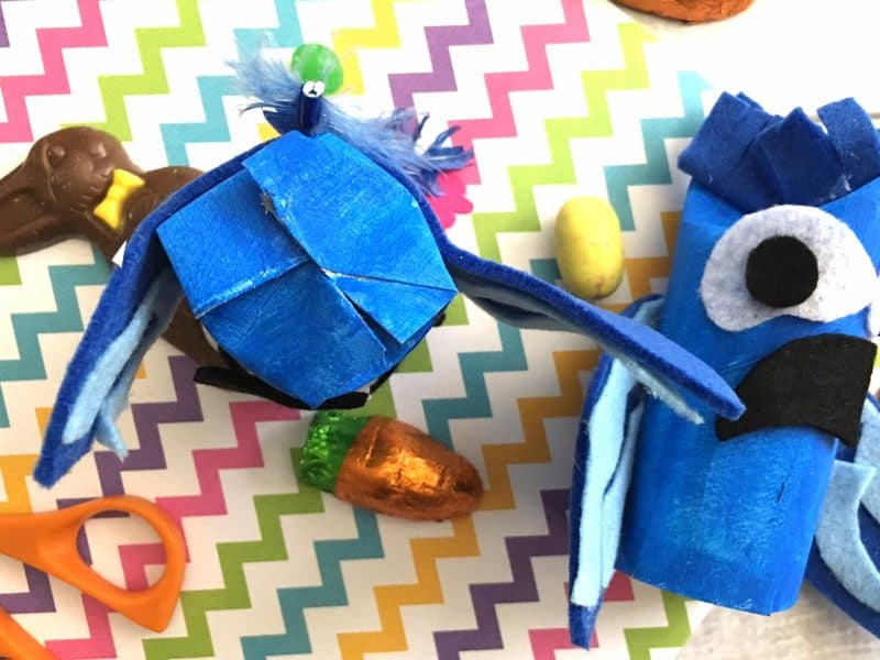 Blu and Jewel Craft Idea Easter Poppers from This Mama Loves
