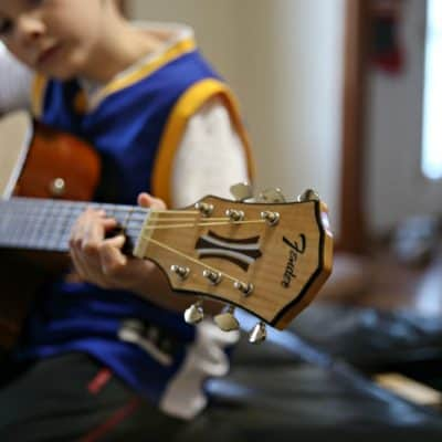 Experience Gift Idea for Kids: Guitar Lessons plus Fender giveaway
