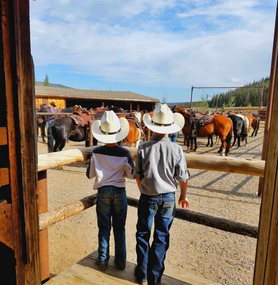Rawah Guest Ranch