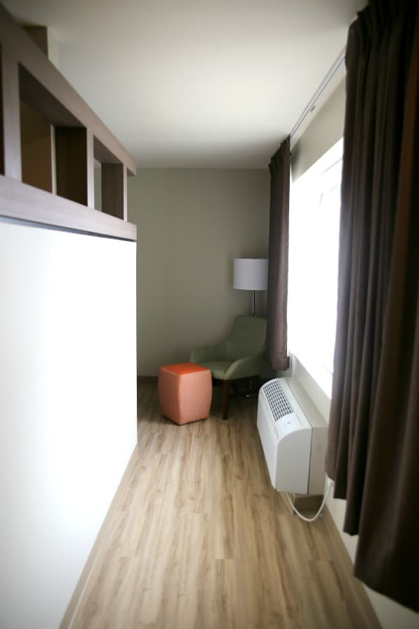 extended stay america providence hallway