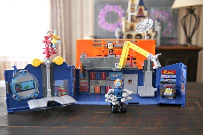Rivet Lab Playset Rusty Rivets Toys