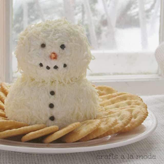 Cute and Yummy Snowman Cheeseball from Crafts a la Mode