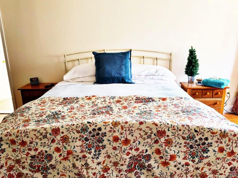How to make overnight guests feel welcome room