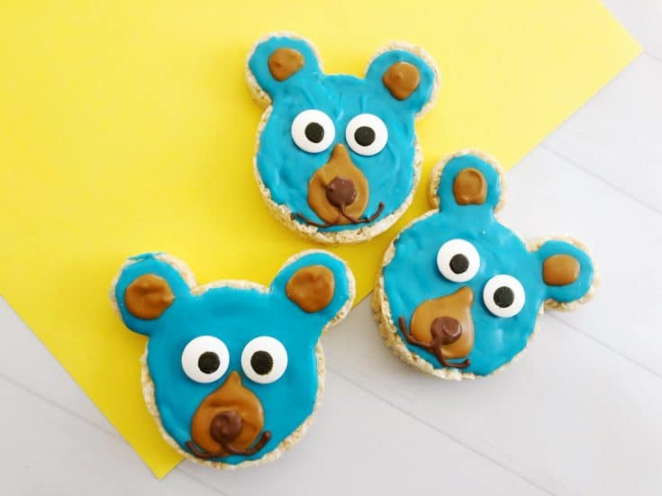 Everyone will love these Boomer Bear Krispy Treats inspired by the new stem- themed Wonder Park Movie in theaters March 15!  #wonderparkmovie
