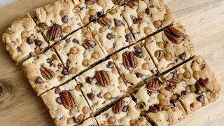 Caramel Pecan Cookie Bars
