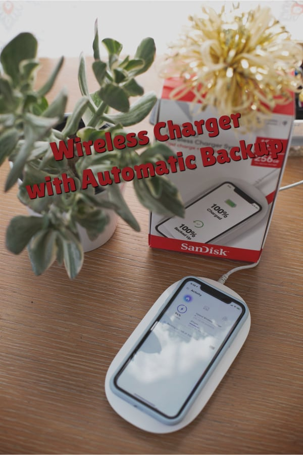 Ixpand Wireless Charger with Automatic Backup